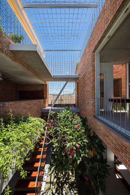 Nhà 2 tầng có 8 mảnh vườn ở Bình Thuận - Ảnh 10.