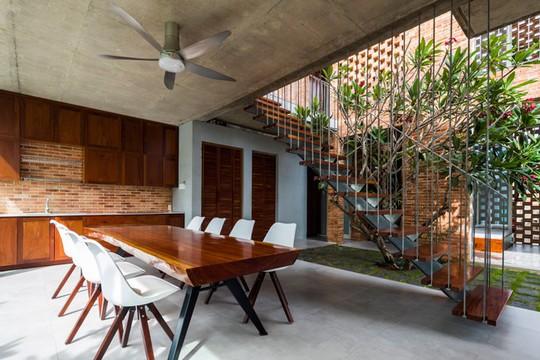 Nhà 2 tầng có 8 mảnh vườn ở Bình Thuận - Ảnh 14.