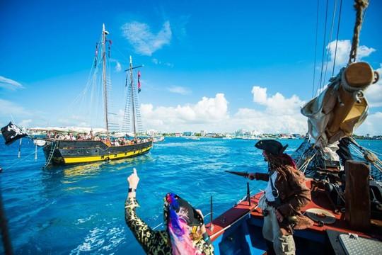 Du khách được hóa thân thành cướp biển vùng Carribean - Ảnh 4.