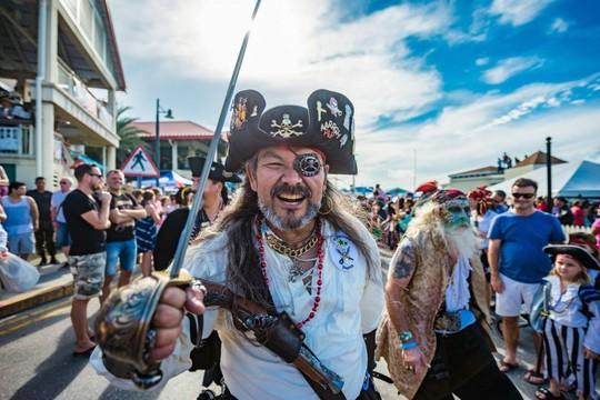 Du khách được hóa thân thành cướp biển vùng Carribean - Ảnh 5.