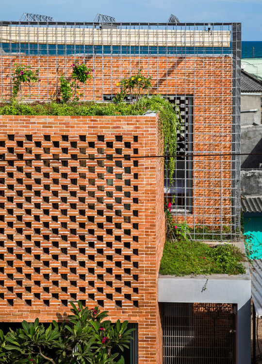Nhà 2 tầng có 8 mảnh vườn ở Bình Thuận - Ảnh 5.