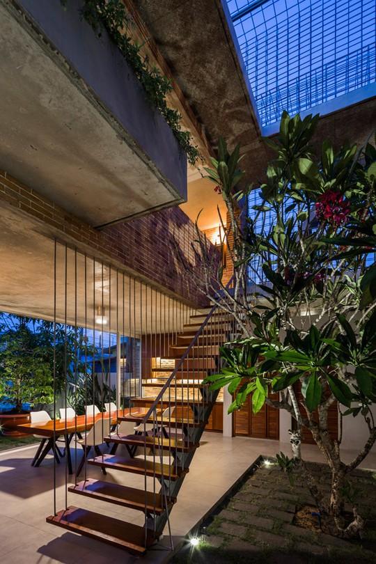 Nhà 2 tầng có 8 mảnh vườn ở Bình Thuận - Ảnh 6.