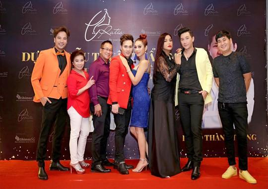 Nhiều ca sĩ, nghệ sĩ ủng hộ dự án phẫu thuật thẩm mỹ của bác sĩ Võ Thành Trung - Ảnh 1.