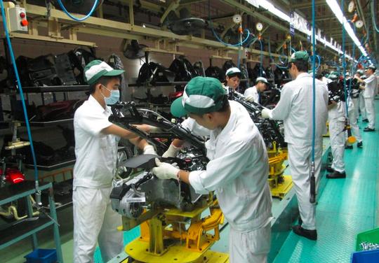 Nhân lực ngành sản xuất đang thiếu và yếu - Ảnh 1.