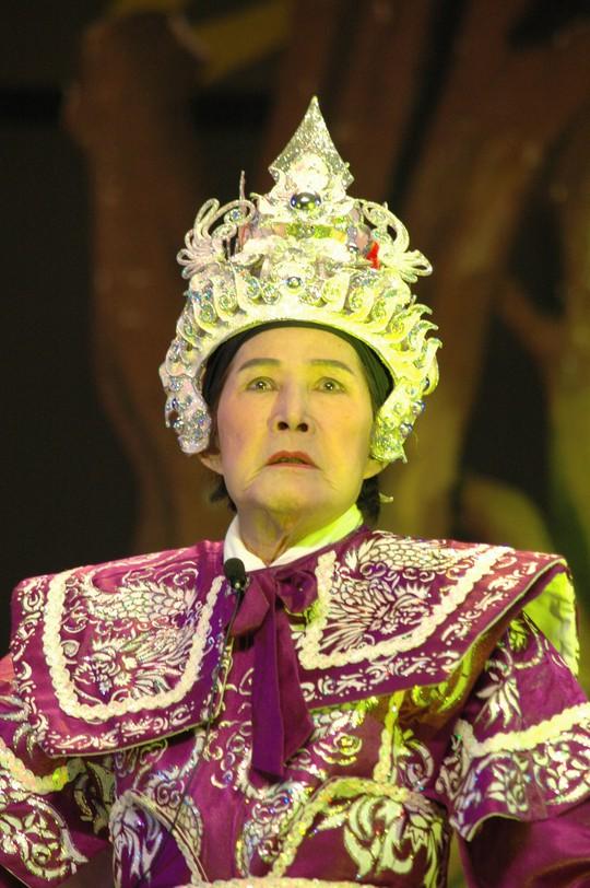 Tấn Tài - Phượng Liên: Hoàng đế và nữ hoàng đĩa nhựa - Ảnh 4.