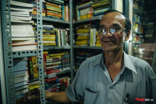 Tiệm sách miễn phí hơn 10 năm giữa lòng Sài Gòn - Ảnh 1.