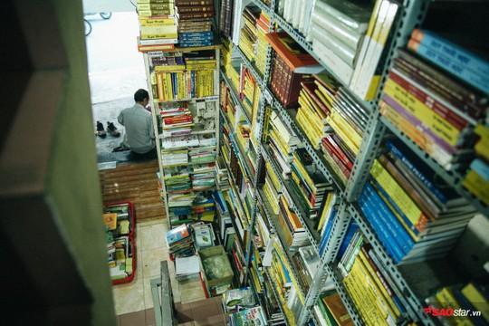 Tiệm sách miễn phí hơn 10 năm giữa lòng Sài Gòn - Ảnh 2.