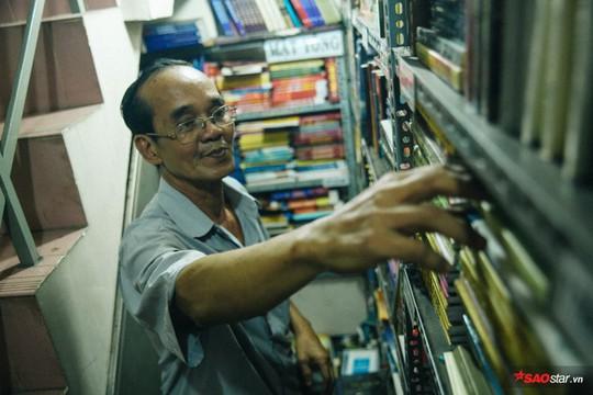 Tiệm sách miễn phí hơn 10 năm giữa lòng Sài Gòn - Ảnh 5.