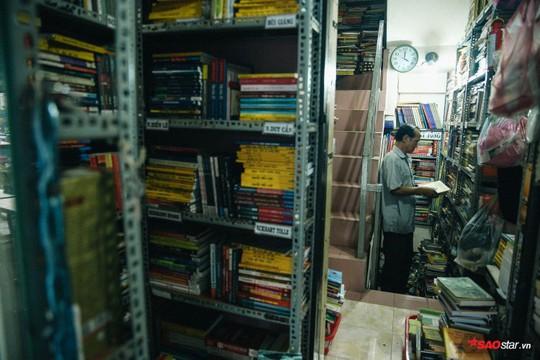 Tiệm sách miễn phí hơn 10 năm giữa lòng Sài Gòn - Ảnh 6.