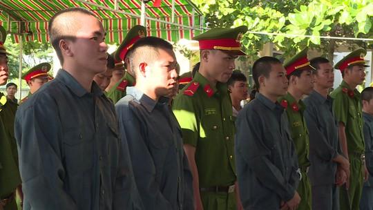 Xử vụ gây rối, đốt xe công an ở Bình Thuận - Ảnh 3.
