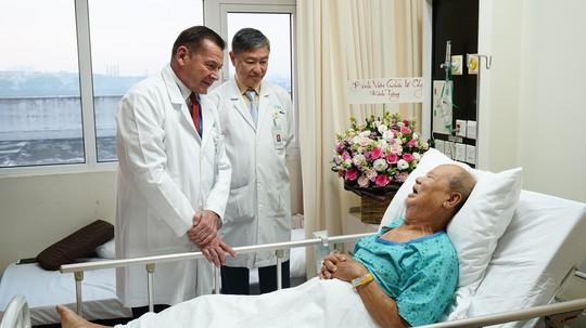 6 giờ nỗ lực cứu bệnh nhân mắc nhiều bệnh ngặt nghèo - Ảnh 2.