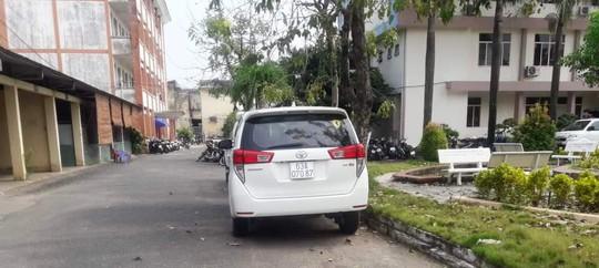 Xác định tài xế gây tai nạn rồi chở nạn nhân vào đường vắng, đạp xuống xe - Ảnh 2.