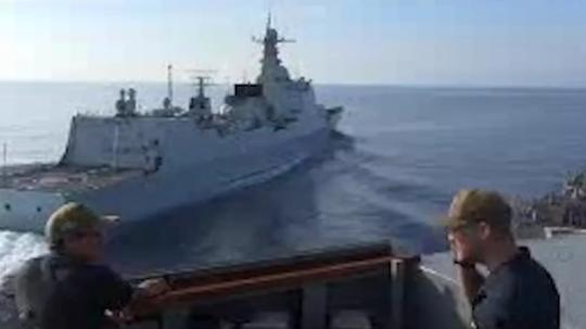 Chặn tàu Mỹ ở biển Đông, Trung Quốc cảnh báo Anh, Úc? - Ảnh 1.