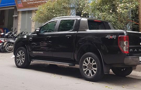 Bộ Tài chính giải trình về đề xuất thu phí trước bạ xe bán tải, xe van bằng 60% xe con - Ảnh 1.