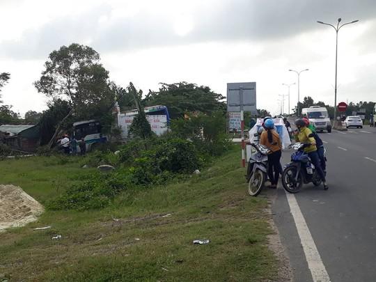 Quảng Nam: 2 vụ tai nạn xe khách liên tiếp, một người chết - Ảnh 2.