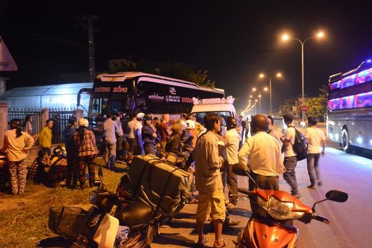Quảng Nam: 2 vụ tai nạn xe khách liên tiếp, một người chết - Ảnh 3.
