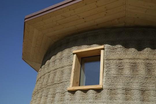 Nhà xây bằng công nghệ in 3D làm từ... bùn - Ảnh 2.
