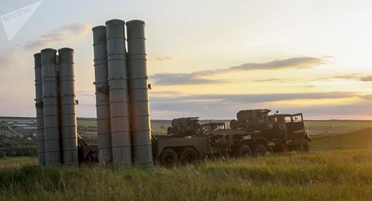 Syria: Nga triển khai tàu tên lửa mới, Israel án binh bất động vì S-300 - Ảnh 2.