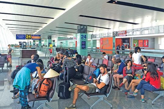 Mở rộng sân bay Nội Bài về phía Bắc hay phía Nam? - Ảnh 1.