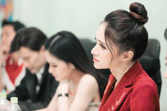 Hương Giang, Gil Lê tìm người thi Hoa hậu Chuyển giới - Ảnh 4.