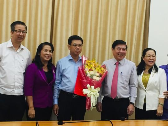 Thành ủy TP HCM chỉ định nhân sự Phó Bí thư quận 1 và Hóc Môn - Ảnh 2.
