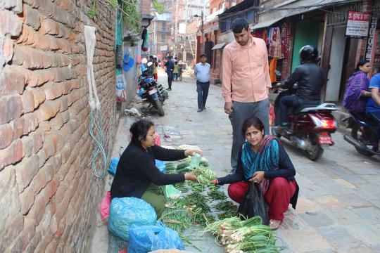 Vòng quanh khu ổ chuột ở Nepal - Ảnh 4.