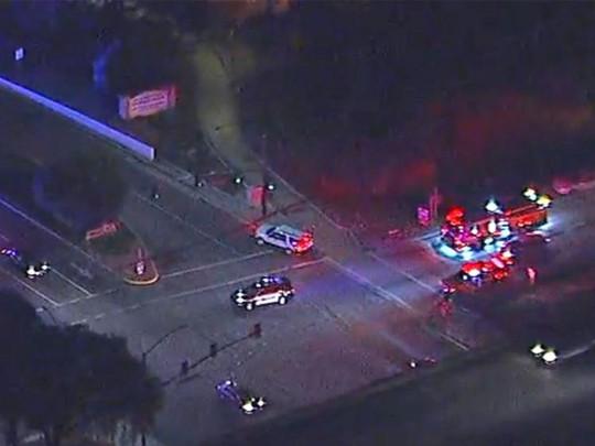 Mỹ: Xả súng kinh hoàng tại California, nạn nhân nằm la liệt - Ảnh 3.