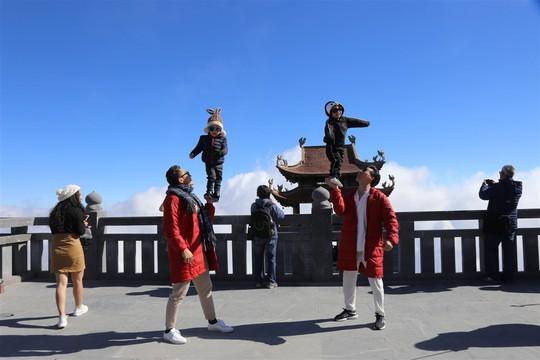 Màn trình diễn của bộ đôi Quốc Cơ, Quốc Nghiệp trên nóc nhà Đông Dương - Ảnh 6.