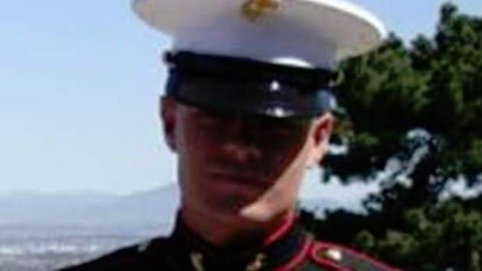 Vụ xả súng ở Mỹ: Nghi phạm David Long từng là xạ thủ - Ảnh 2.