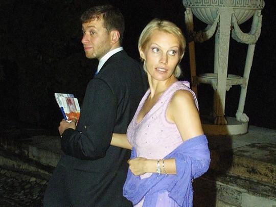 Tỷ phú Roman Abramovich tiêu khối tài sản khổng lồ thế nào? - Ảnh 5.