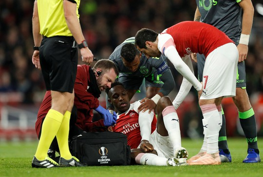 Welbeck cấp cứu thở oxy, Arsenal đi tiếp tại Europa League - Ảnh 3.