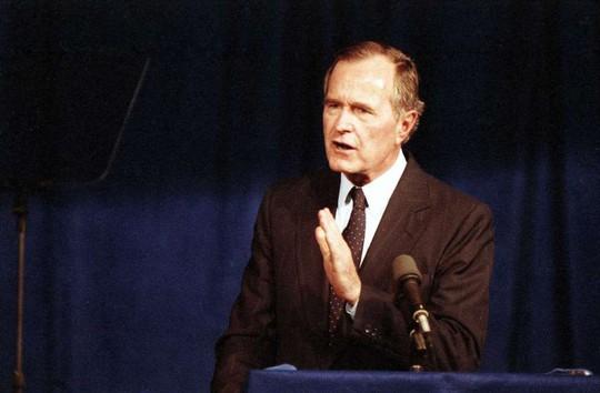 Cựu Tổng thống Bush cha qua đời - Ảnh 1.