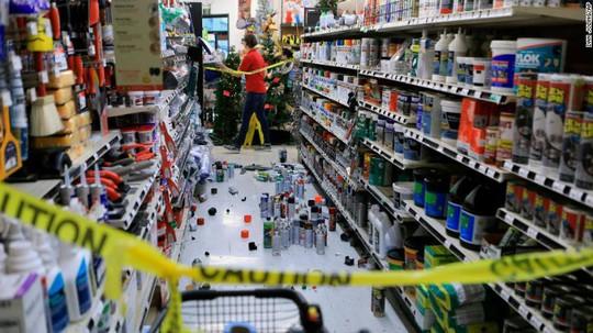 Bang Alaska thiệt hại nặng sau trận động đất mạnh bất thường - Ảnh 5.