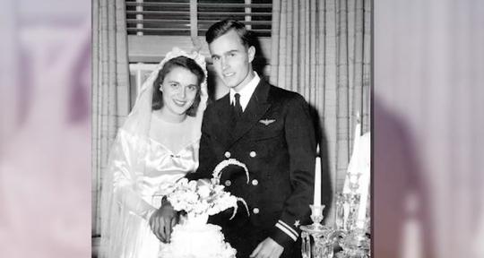 """Những cột mốc đáng nhớ trong cuộc đời ông Bush """"cha"""" - Ảnh 1."""