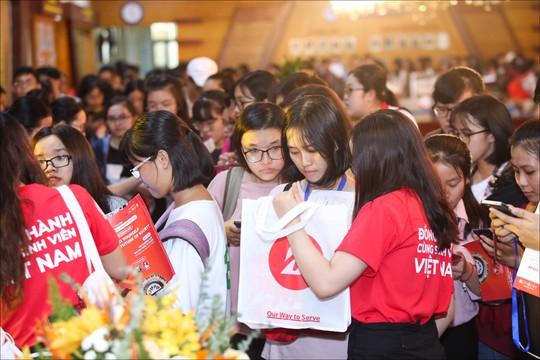 Tổng kết chương trình Đồng hành cùng Sinh viên Việt Nam 2018 - Ảnh 1.
