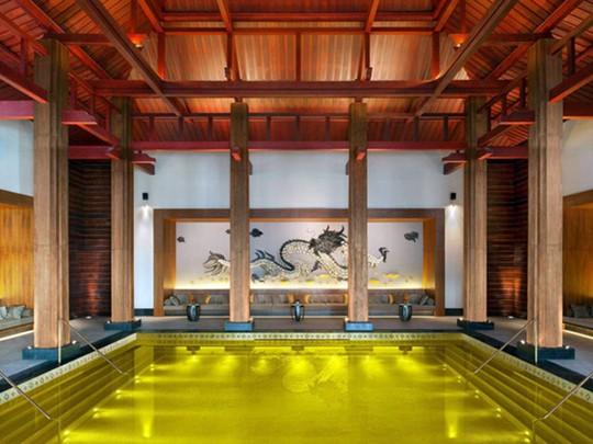 Chiêm ngưỡng những bể bơi trong nhà bậc nhất thế giới - Ảnh 1.