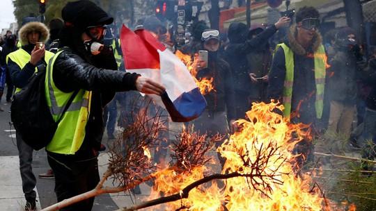 Pháp khuyên ông Trump đừng can thiệp chuyện nội bộ - Ảnh 2.