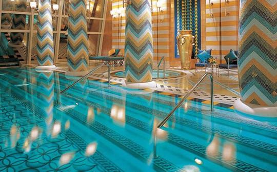Chiêm ngưỡng những bể bơi trong nhà bậc nhất thế giới - Ảnh 5.