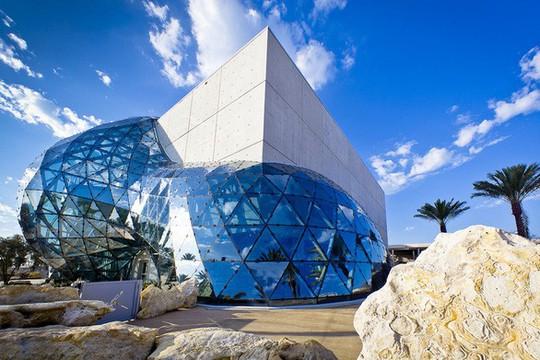Lạc lối với 15 bảo tàng đẹp nhất thế giới - Ảnh 8.