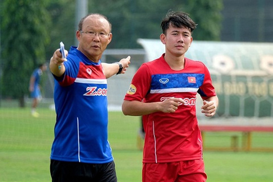 HLV Park Hang-seo bổ sung 6 tuyển thủ, có tên Minh Vương - Ảnh 1.