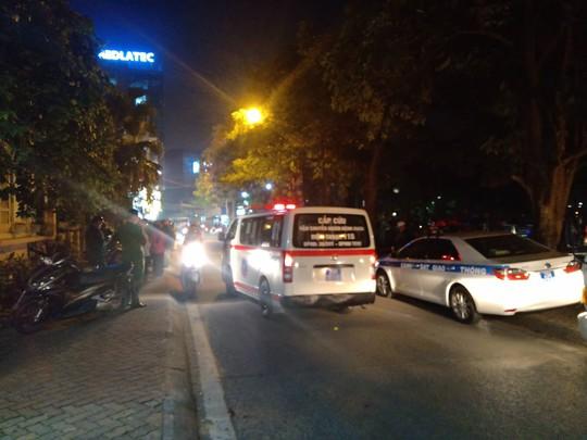 Người phụ nữ lái Lexus tông hàng loạt phương tiện, ít nhất 6 người nhập viện - Ảnh 4.