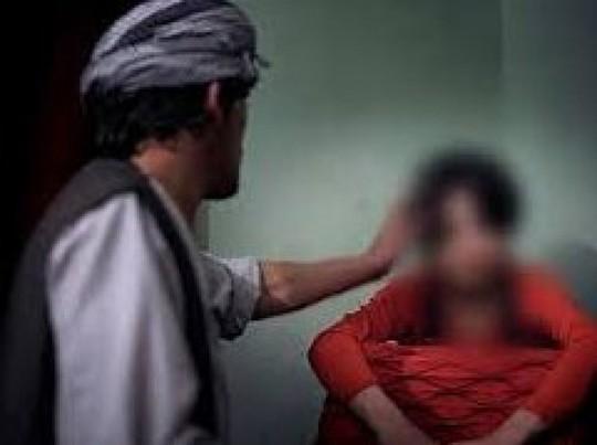 Cần dạy trẻ trai về xâm hại tình dục để biết phản kháng, thoát thân - Ảnh 1.