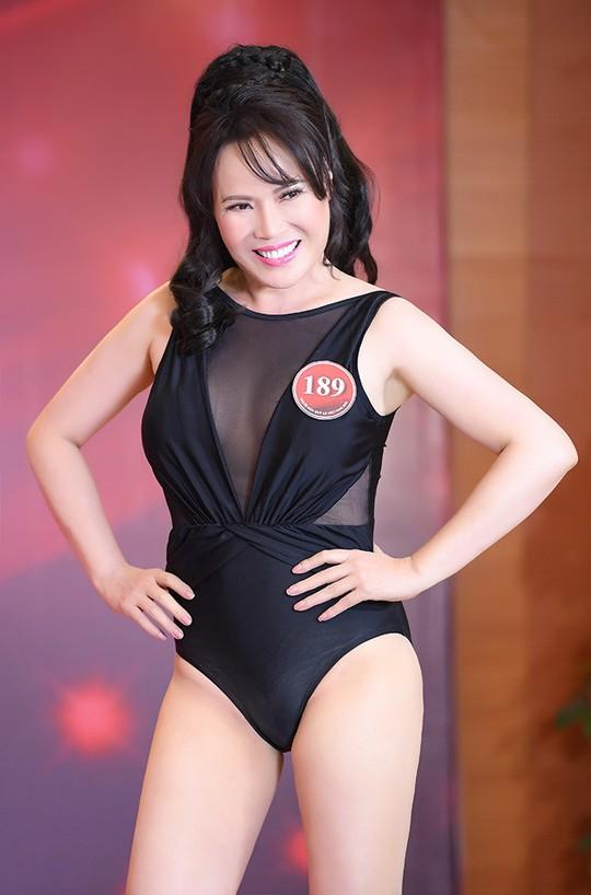 Sở hữu vẻ đẹp bốc lửa, nữ kỹ sư 49 tuổi lên ngôi quán quân Người mẫu quý bà Việt Nam 2018 - Ảnh 2.