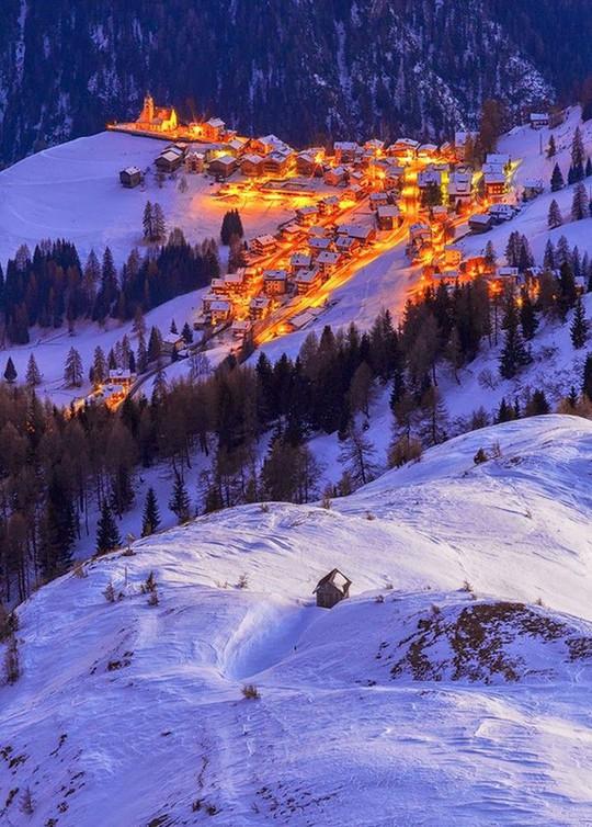 Ngắm những ngôi nhà đẹp như cổ tích trong mùa Giáng sinh - Ảnh 11.