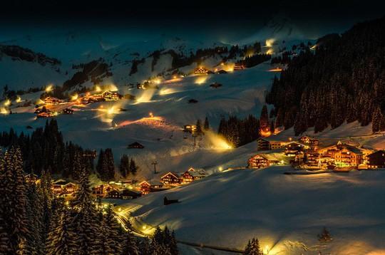 Ngắm những ngôi nhà đẹp như cổ tích trong mùa Giáng sinh - Ảnh 12.