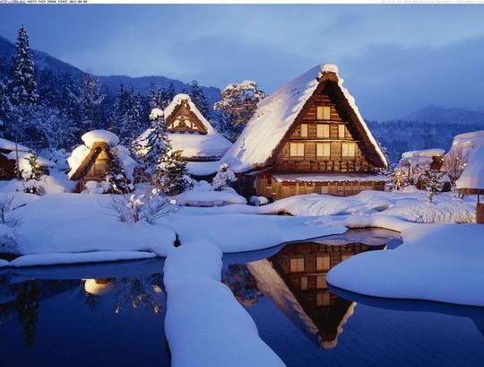 Ngắm những ngôi nhà đẹp như cổ tích trong mùa Giáng sinh - Ảnh 33.