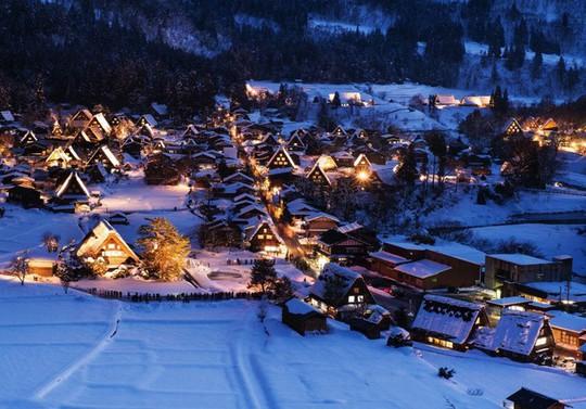 Ngắm những ngôi nhà đẹp như cổ tích trong mùa Giáng sinh - Ảnh 36.