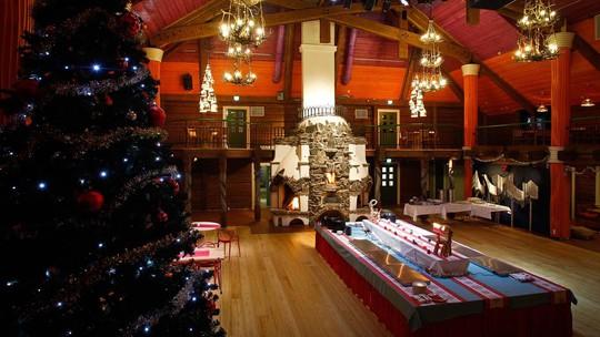 Ngắm những ngôi nhà đẹp như cổ tích trong mùa Giáng sinh - Ảnh 10.
