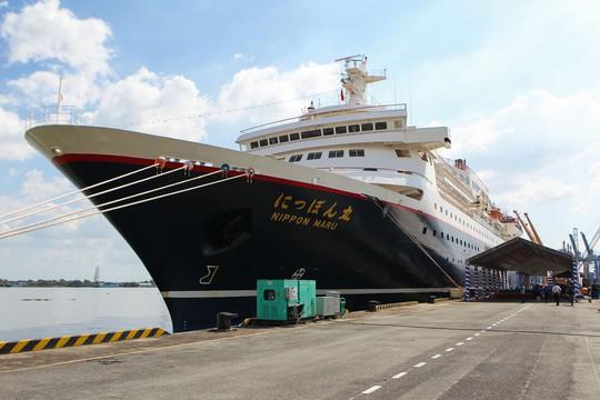Tàu Nhật Bản chở 326 thanh niên ưu tú cập cảng Cát Lái - Ảnh 1.