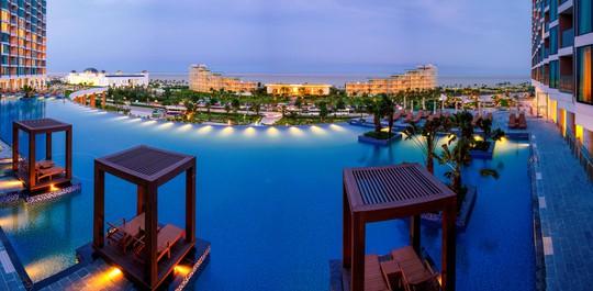Đón năm mới hoành tráng và độc đáo tại resort 5 sao của Tập đoàn FLC - Ảnh 1.